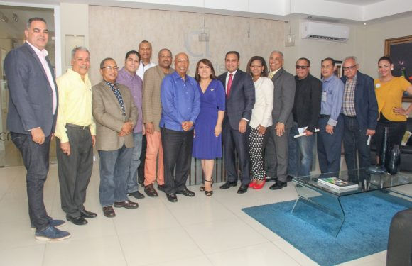Acroarte se reúne con alcalde Abel Martínez