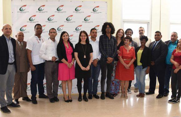 Entregan Premios Joven Feria del Libro