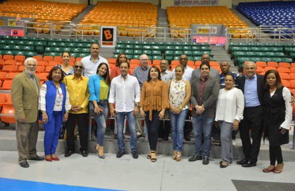 Presidente de Acroarte visita Arena del Cibao junto a delegación