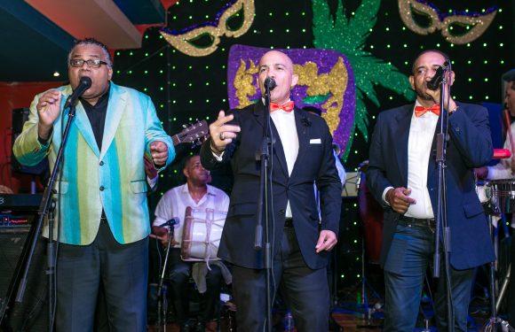Pochy Familia y la Coco Band celebran 30 años en aniversario de CIRSA
