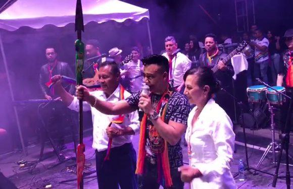 Elvis Martínez reconocido en Ecuador