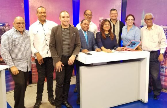 Fausto Polanco promociona su candidatura en Santiago