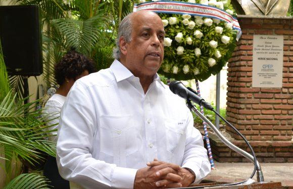 Rinden homenaje a Tte. Amado García Guerrero a 58 años de su caída